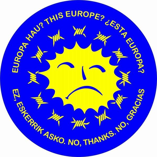 Performance para denunciar la entrega del Premio a la Concordia Princesa de Asturias a la Unión Europa