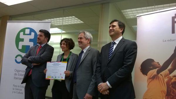 """Escuelas Solidarias- Premio Iberoamericano de Educación en Derechos Humanos """"Óscar Arnulfo Romero"""""""