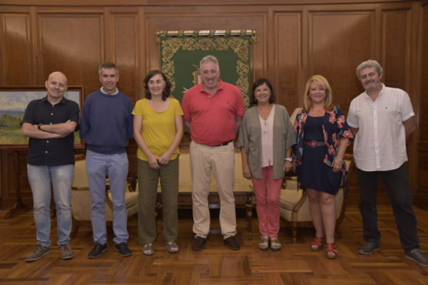 Firmamos un Convenio con el Ayuntamiento de Pamplona para desarrollar un proyecto de información y difusión de cooperación internacional al desarrollo