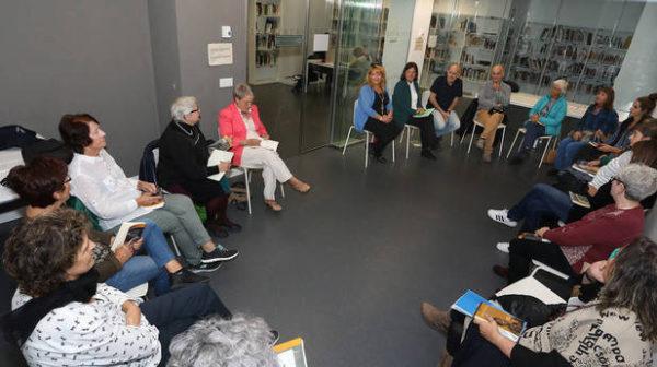 Comienza un club de lectura de Cooperación al Desarrollo en la biblioteca de San Francisco para promover lecturas para la ciudadanía global