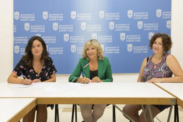 El Ayuntamiento de Pamplona firma un convenio con la Coordinadora de ONGD para impulsar la información y la difusión de la cooperación internacional al desarrollo