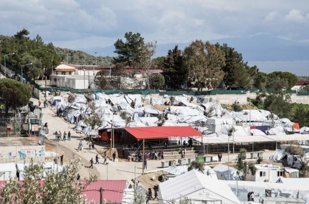 Llamamiento urgente para la evacuación de los campos de personas refugiadas en Grecia