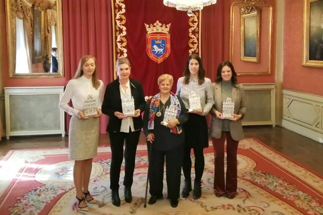 El Ayuntamiento de Pamplona reconoce la labor de 5 'mujeres ejemplares', entre ellas a Celia Pinedo, Presidenta de la Coordinadora de ONGD de Navarra